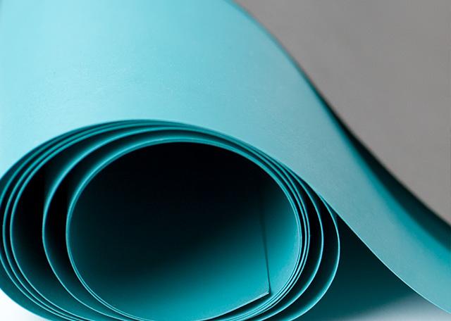 Couverture en silicone avec conduction électrique